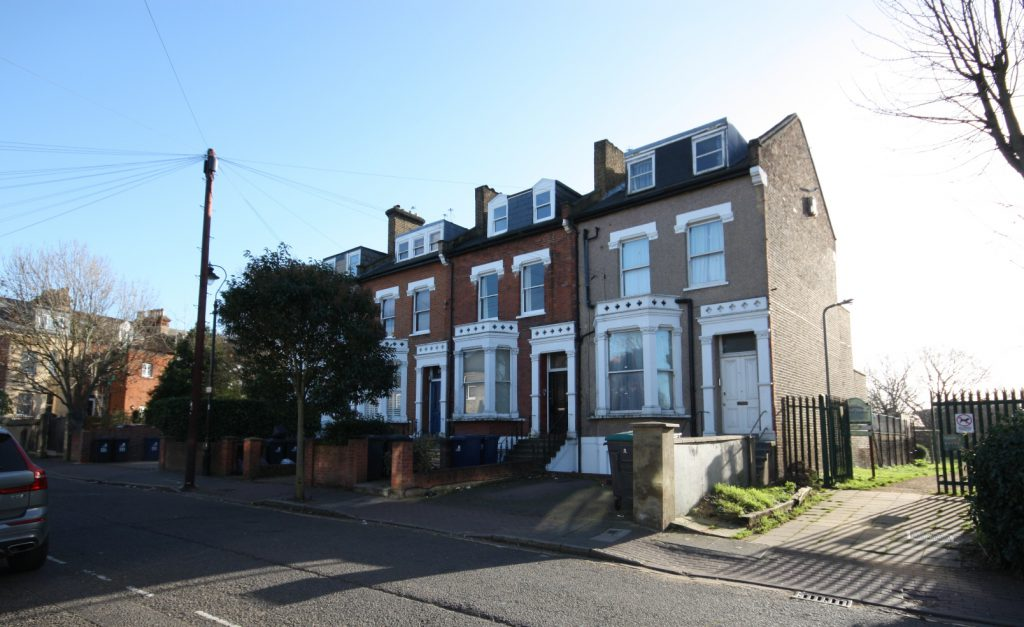 Avenue Road, Acton, W3